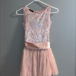 Beautiful blush pink little girl tool dress size8